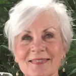 Betty Durham : Receptionist